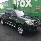 2010 TOYOTA INVINCIBLE 4x4 DCB 3.0 PICK UP